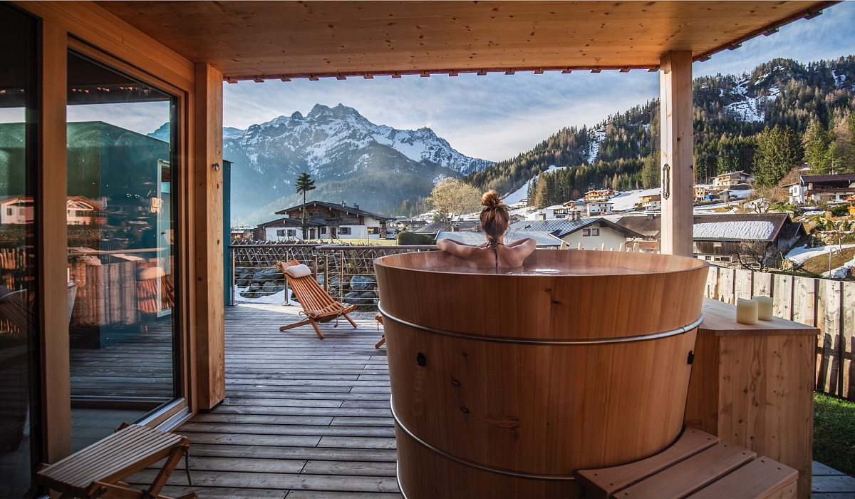 Private Spa in the hot tub Alpegg Chalets Steinplatte Waidring